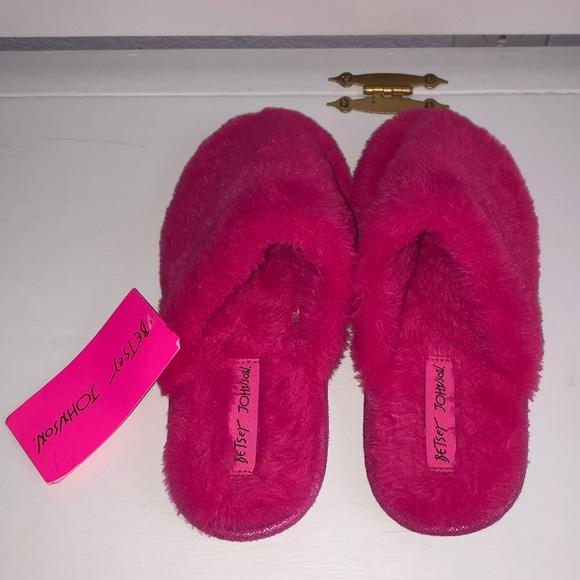 Hot Pink Fuzzy Slippers   Poshmark